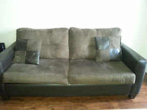Bonded leather plush couch in great condition Kitchener / Waterloo Kitchener Area image 4