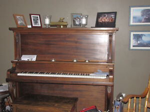 Free Piano very good condition