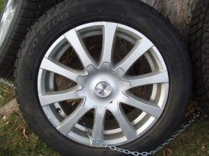 4 pneus d'hiver Minerva 205-55-16 avec mags