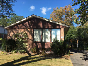 Remarkable house for rent near Bayview and Major mackenzie