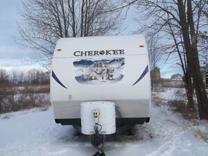 26ft   Cherokee travel trailer