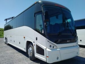 PRE OWNED 2007 J4500 MCI