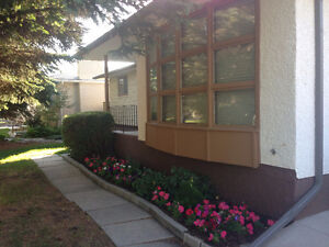 One room for ICM/ UofM student @ 216 rochester avenue (for Male)