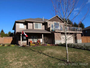 Gorgeous 5 bed home in ideal neighbourhood with mountain views!