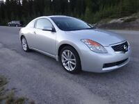 2009 Nissan Altima SE Coupe (2 door)