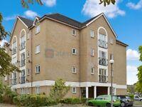 2 bedroom flat in Farrow Lane, New Cross SE14