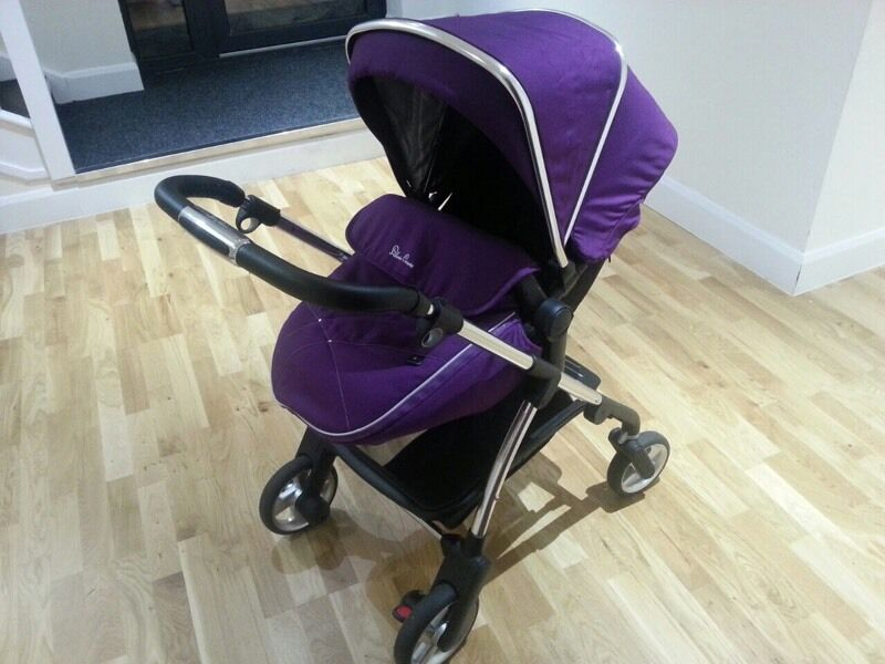 AS NEW silver cross wayfarer (used 5 times) travel system pushchair and carrycot