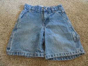 6 pairs boys size 4 shorts EUC Kitchener / Waterloo Kitchener Area image 3