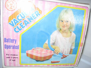 Bright Star toy Vacuum Cleaner vintage Still works! Excellent! Cornwall Ontario image 2