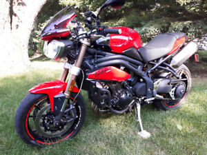 2012 1050 speed triple - immaculate.
