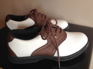 NEW Women's Golf Shoes - Size 5 - Spalding - Perfect condition