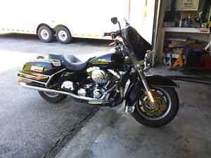 2001 harley Davidson electroglide and 2017 pace 5 by 8 trailer