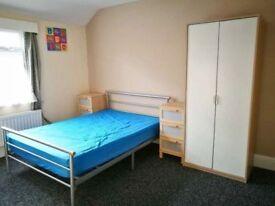 NICE double ROOM in Peckham Rye!