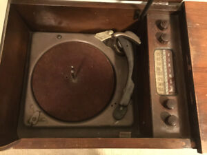 Viking Antique radio/record player console
