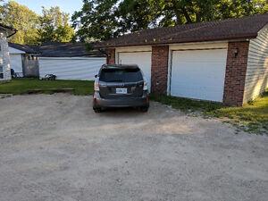 Garage for Rent for Storage or workshop or....