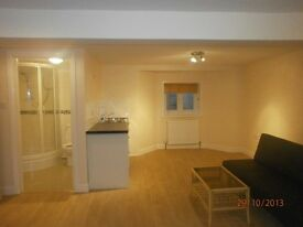 Studio Inc. all bills in Chadwell Heath/ Goodmayes for Single Female