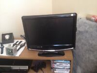 17in LOGIK tv with built in DVD/ freeview. (Spares or repairs)