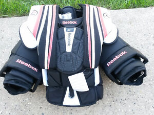 New Men's Medium Reebok P4 Pro Chest Protector Regina Regina Area image 1