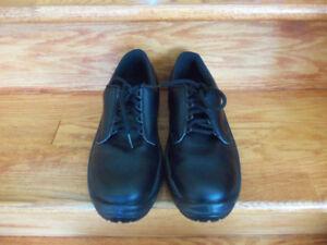 Soulier - chaussure de sécurité pour homme grandeur 7 (41)