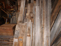 planches de bois de grange