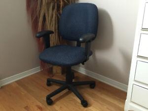 Chaise de bureaux