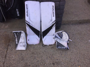 Bauer goalie pads blocker and catcher
