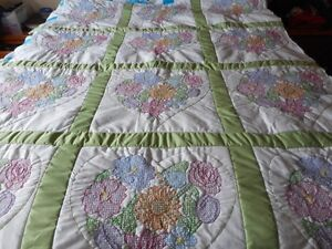 Beautiful Queen size hand stitched flowers and heart quilt Peterborough Peterborough Area image 1