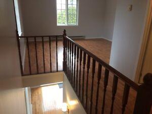 Vaudreuil-Dorion appartement style loft sur 2 etages 3 1/2