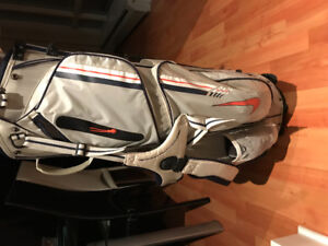 Nike Golf Bag (carry straps & stand)