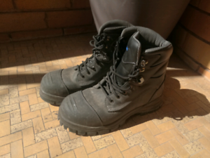99% new work safety boot shoe size 10