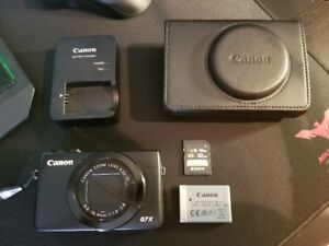 Selling my Canon G7X - GOOD AS NEW!