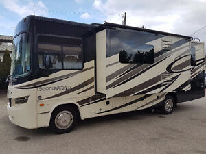 2015 Georgetown 28' Class A Only 10,000KMs
