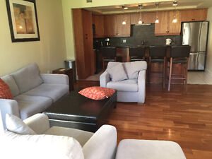 Beautiful 3-bdrm Bishops Landing Condo - Available Aug 1!