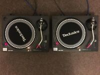 Technics SL1210 1210 Turntables Pair very good condition new cables