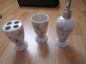 Bathware Set Kitchener / Waterloo Kitchener Area image 1