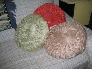 3 ROUND DECORATIVE  VINTAGE COUCH  PILLOWS--$35 FOR ALL