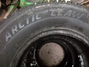 4 used studded 255/70R16 M&S
