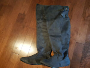 Brand new size 11 grey suede boots