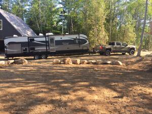 2015 Avenger 32BIT camper for sale