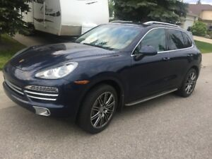 *One Owner* 2012 Porsche Cayenne S AWD 400HP