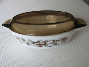 Vintage Pyrex Casserole Bowl And Cover For Sale Cornwall Ontario image 2