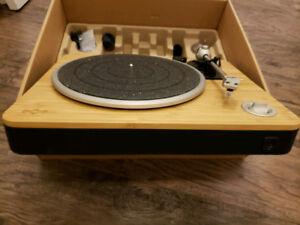 House of Marley stir it up Turntable and preamp- BNIB
