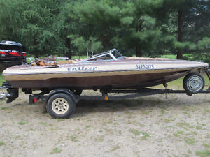 Excellent 16.6 foot Checkmate Enticer Bowrider