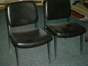 Used office chairs , reception chairs also executive chairs Regina Regina Area image 2