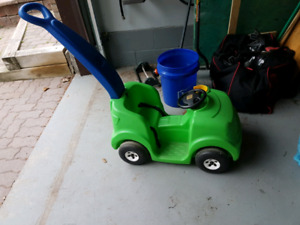 Step 2 Kids Green Car with Push Handle