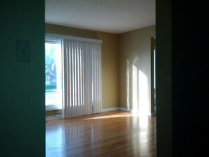 4 Bedroom House Rental - Queen's West Campus