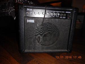 Guitare électrique et amplificateur / Electric guitar + amp.