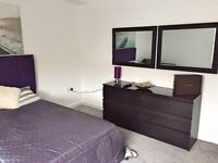 STUNNING NEWLY REFURBISHED EXECUTIVE SPACIOUS ROOM Nr THORPE PARK BUSINESS CENTRE. ALL INCL RENT!