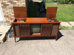 Mid century modern tv stereo console