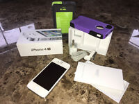 Unlocked iPhone 4S - Excellent Condition